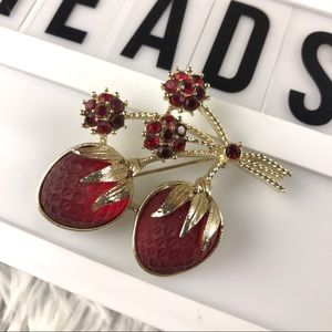 Vintage Sarah Coventry Gold Strawberry Brooch EUC